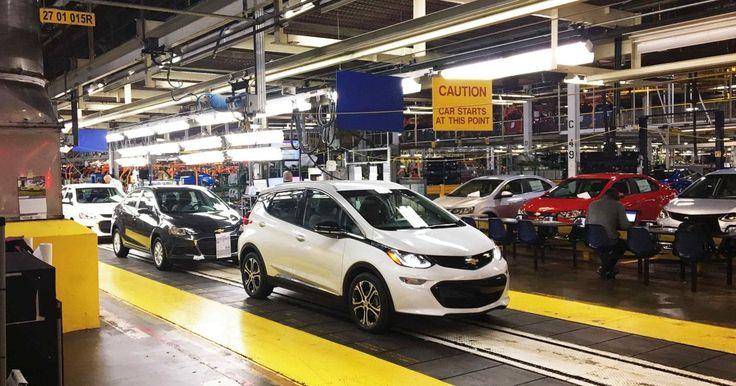 Analytik Martin Jesný zo Slovenského automobilového inštitútu je presvedčený o tom, že piata automobilka by mohla prísť na východ Slovenska.