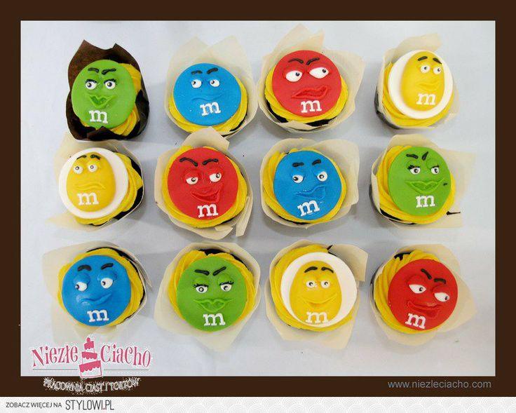 M&M's, minicake, emenemsy, słodycze, m, litera M, słodki stół, ciasteczka, babeczki, Tarnów