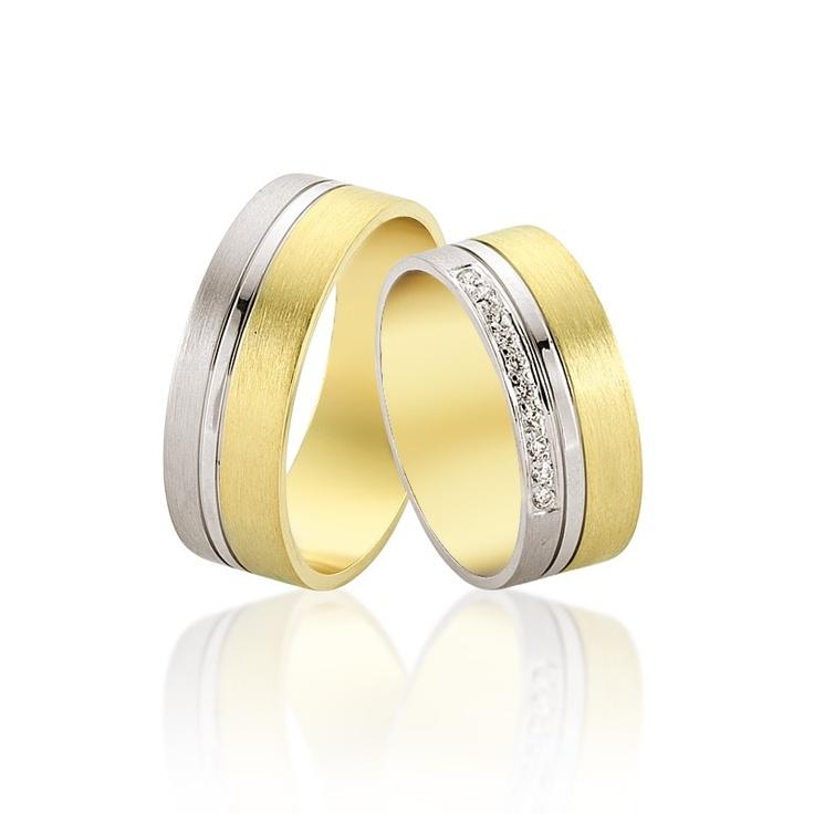 Verighetele Capella se recomanda prin latimea lor echilibrata, combinatia de aur alb si galben, precum si cristale sau diamante montate. 1950 lei perechea din aur 14K si cristale.   Mai multe aici - http://goo.gl/e66tI