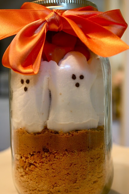 Ghost Peeps in a Jar! How-to --> http://www.southernvogue.com/2011/08/halloween-peeps-in-jar.html: