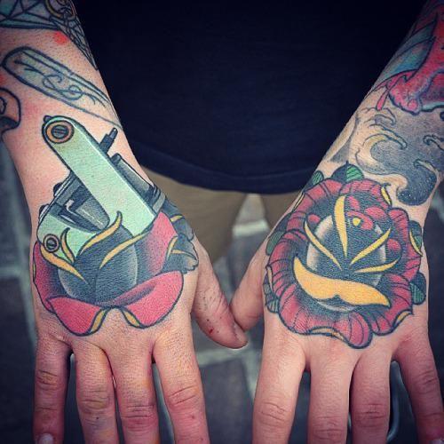 10 tatuajes de maquinas de tatuar 2