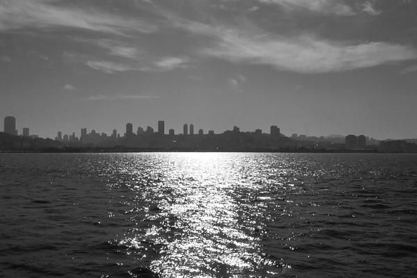 Picture of the skyline to San Francisco city. Image taken when crossing the water to go to Alcatraz. Want this picture printed on canvas or cards etc? Click on the image :)