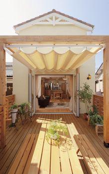 wood deck (2nd floor)