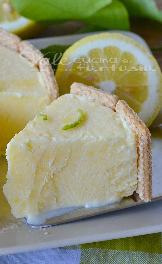 Semifreddo con crema al limone mascarpone e wafer