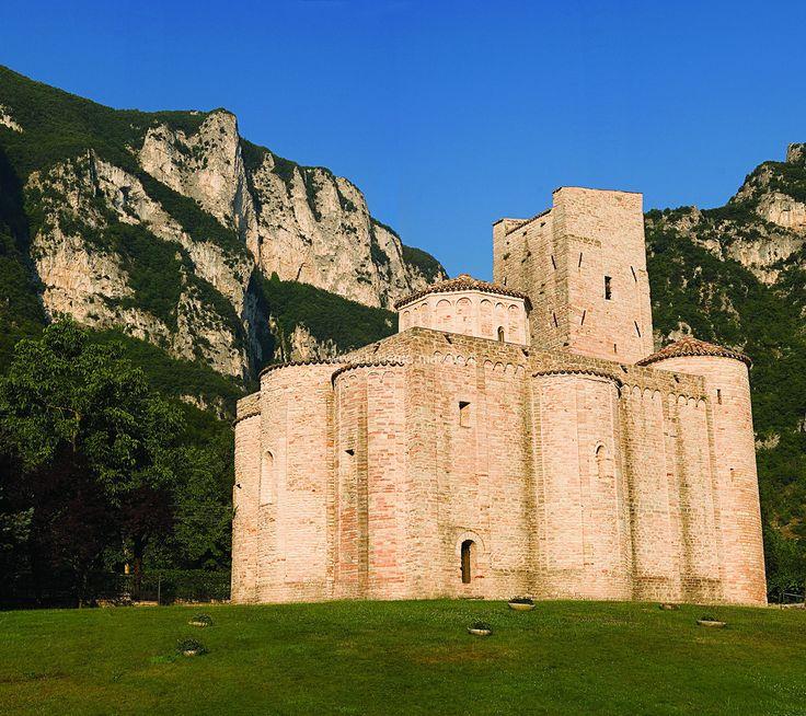 San Vittore delle Chiuse, Marche. (1 hour)