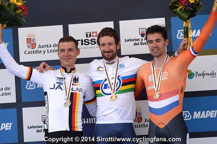 2014 UCI Road World Championships Elite Men Individual Time Trial Photos 9-24-14| www.cyclingfans.com L-R: second place: Tony Martin (Germany) - first place: Bradley Wiggins (Great Britain) - third place:Tom Dumoulin (Netherlands)