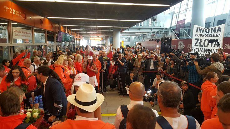 21 września 2016 - powitanie paraolimpijczyków wracających z Igrzysk w Rio de Janeiro. Fot. Przemysław Przybylski