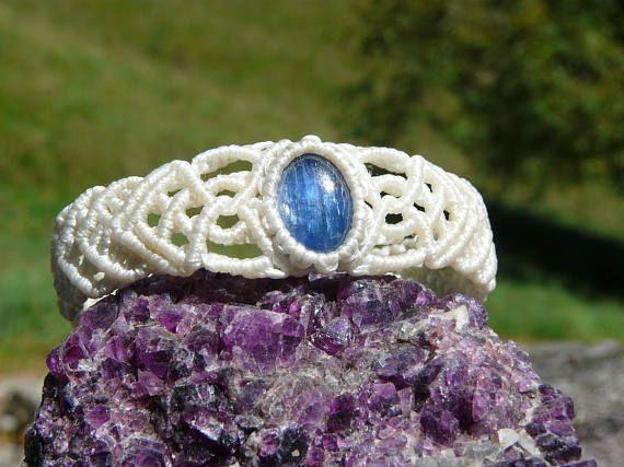 Guarda questo articolo nel mio negozio Etsy https://www.etsy.com/it/listing/508966274/gioielli-cianite-bracciale-macrame