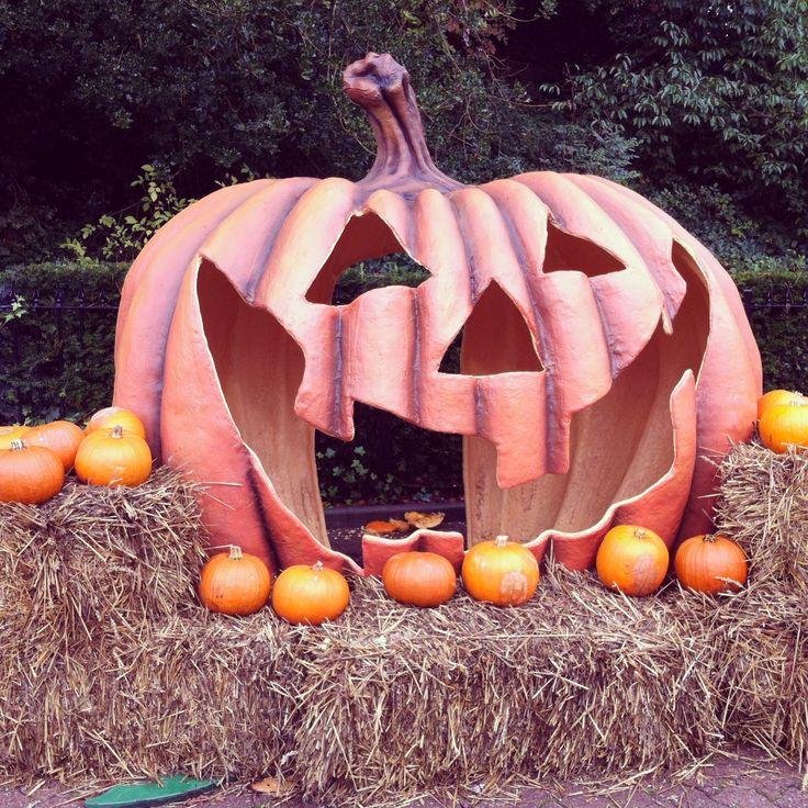 Scarefest decorations, Alton Towers #Halloween #Autumn #Fall