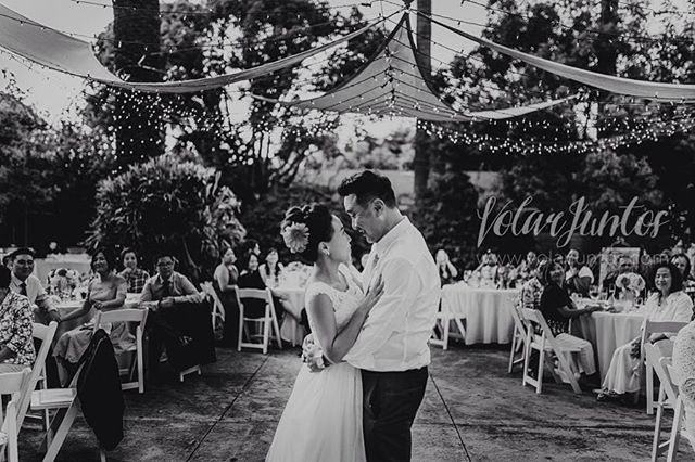 """Un disparo de la boda que documentamos de Neary & Sing en la ciudad de Los Ángeles Ca #weddinglosangeles #weddingday #bodas #queretaro #weddingphotography #photooftheday #wedding #losangeles #la #weddingkorea #korea"" by @volarjuntosfotografia. #eventplanner #weddingdesign #невеста #brides #свадьба #junebugweddings #greenweddingshoes #destinationweddingphotographer #dugunfotografcisi #stylemepretty #weddinginspo #weddingdecor #weddingstyle #destinationwedding #weddingflowers #weddingdetails…"