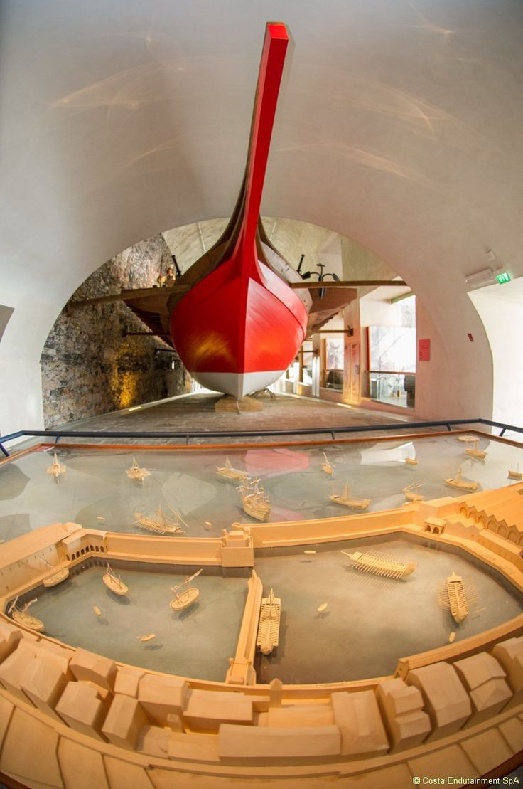 The visitor of Galata Museo del Mare can step on-board the seventeenth century Genoa galley that since the opening of the Museum, represents one of the most thrilling and characteristic reconstructions at natural sizes.    #GalataMuseodelMare #Museums #genova #genoa #genovamorethanthis #museo #muma