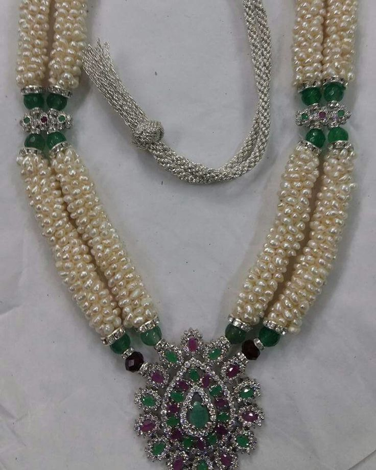 Morocco | Traditional Moroccan Arabian jewelry with pearls and diferrent types of naturestones and gems.