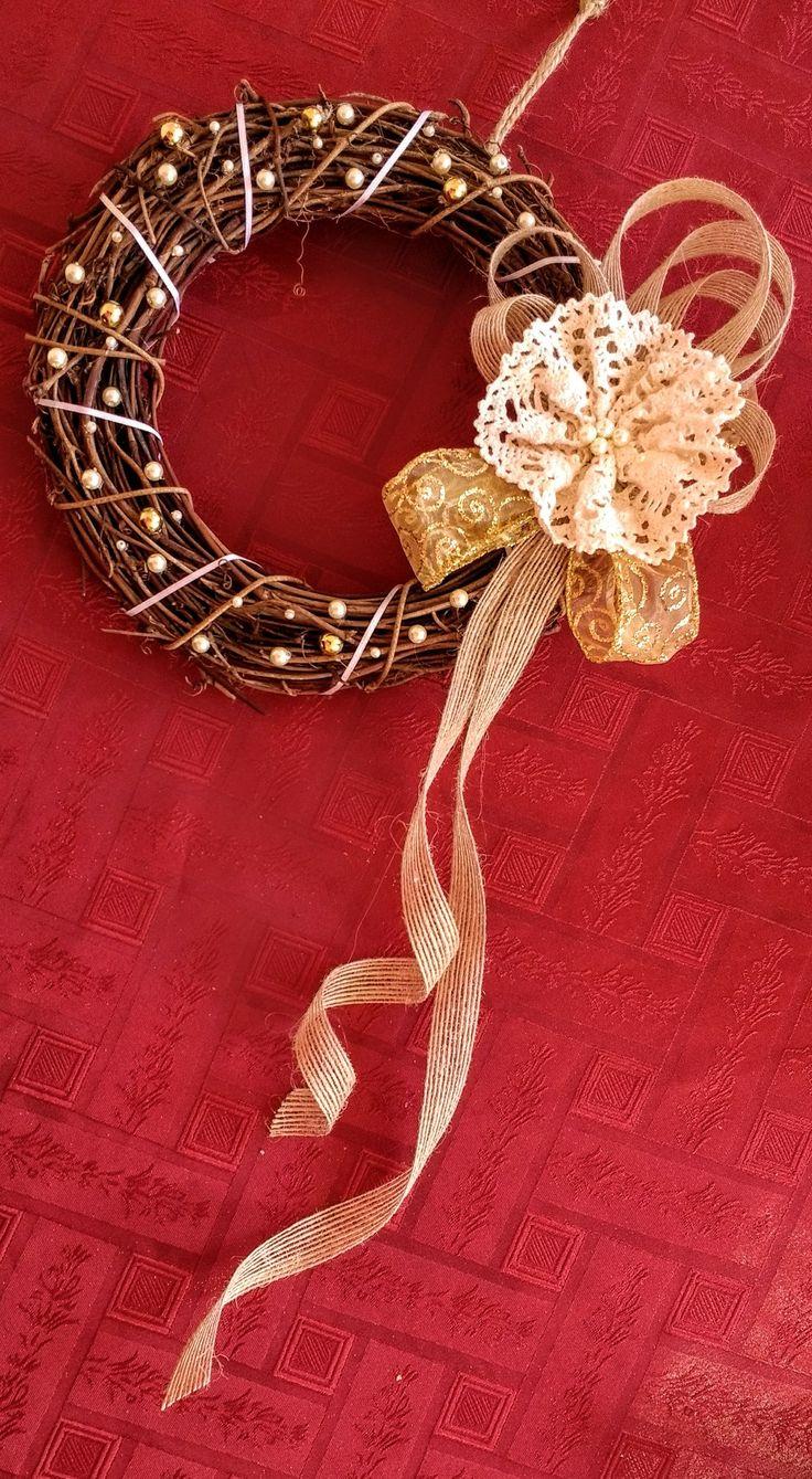 Corona decorativa diseño Chicoca Deco #deconavidad #navidaddeco #coronasdecorativas #coronasnavideñas #coronas #decorustico
