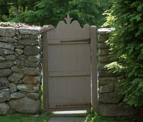 17 best images about primitive garden on pinterest gardens bird houses and sheds - Appalachian container cabin ...