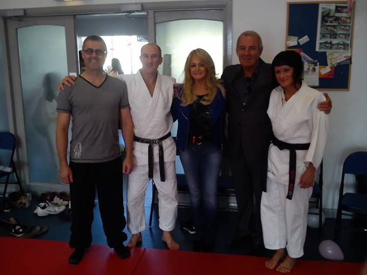 #bonnietyler #robertsullivan #wales #Llanelli #judoclub