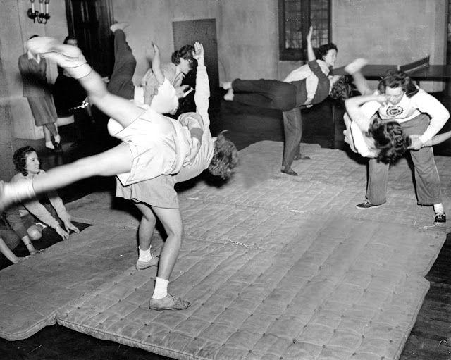 Girls at the University of Chicago learn Jiu-jitsu Jan 29 1943
