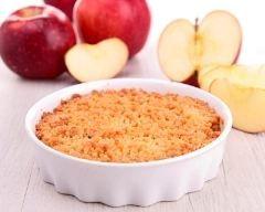 Crumble facile aux pommes express (rapide) - Une recette CuisineAZ