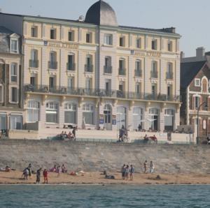 Kyriad Hotel Saint-Malo Plage, Saint-Malo, France