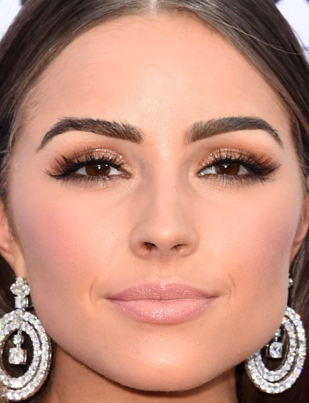 Close-up of Olivia Culpo at the 2015 Billboard Music Awards. http://beautyeditor.ca/2015/05/19/billboard-music-awards-2015