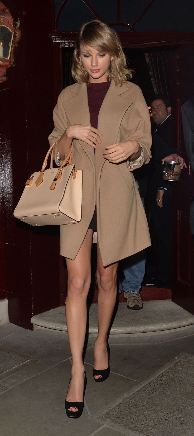taylor-swift-leaving-loulou-s-club-in-london-june-2015_1.jpg (1280×2878)