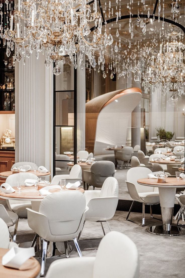 After Several Months Of Refurbishing, The Alain Ducasseu0027s Luxury Plaza  Athénée Restaurant Has Reopened Its