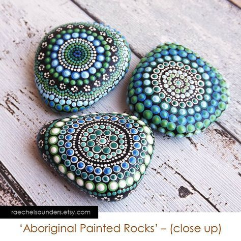 Bosque colores Set de 3 pintar rocas / arte aborigen Dot / pintado pintura piedra / acrílico / ornamentos / papel pesos verde decoración