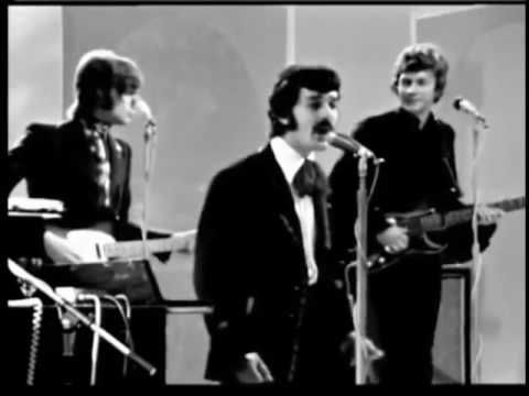 THE MOODY BLUES-DR LIVINGSTONE RIDE MY SEE-SAW-LIVE ON FRENCH TV - mr livingstone i presume