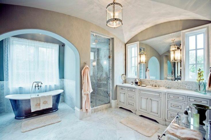 les 25 meilleures id es de la cat gorie salle de bain traditionnelle sur pinterest remodeler. Black Bedroom Furniture Sets. Home Design Ideas