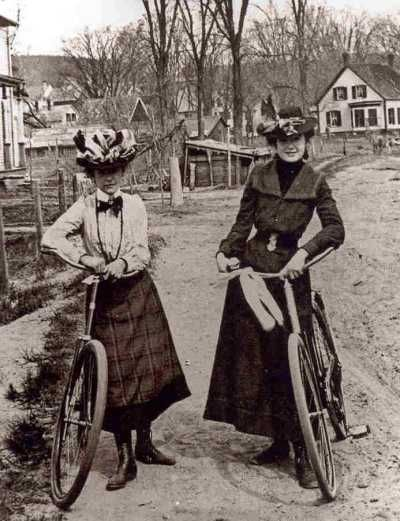 Out for a ride...lovely ladies, but the skirt-just-above-the-boots look will always remind me of the Wicked Witch of the West...