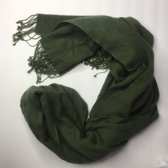 Steve Madden Olive Green Military Scarf Pashmina Steve Madden scarf pashmina in a beautiful olive or military green. Willing to bundle any scarves for a discount!! Steve Madden Accessories Scarves & Wraps