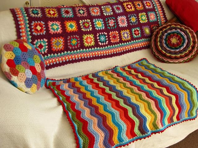 heavenly crochet cozy couch: Crochet Ideas, Crafts Ideas, Colors Crochet, Baby Ripple, Crochetknit Ideas, Bunnies Mummy, Ripple Ta Dah, Crafty Ideas, Crochet Ripple Blankets