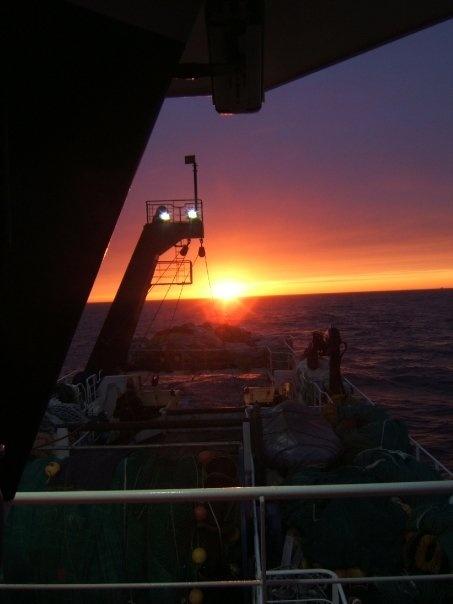 Back to home (Atlantic sea)