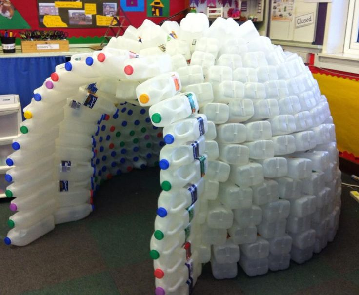 Eco Igloo - this would be a cute idea for a classroom! Just make sure to recycle those bottles once you're done.  Maybe turn them into another craft for your kids?
