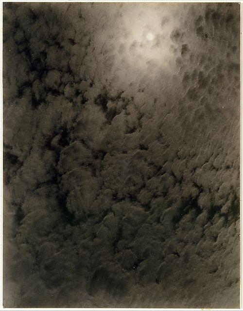 Alfred Stieglitz (1864–1946): Equivalent. 1926, gelatin silver print.