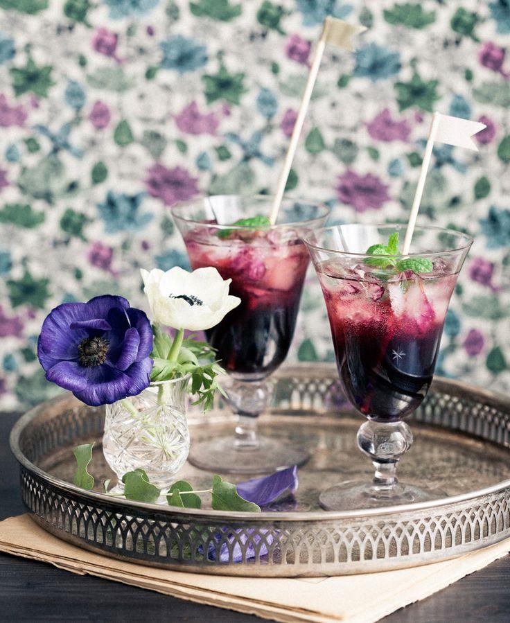 En garanterat uppskattad drink med söta björnbär och frisk mynta. Välj gärna lite större glas som ger plats för is.
