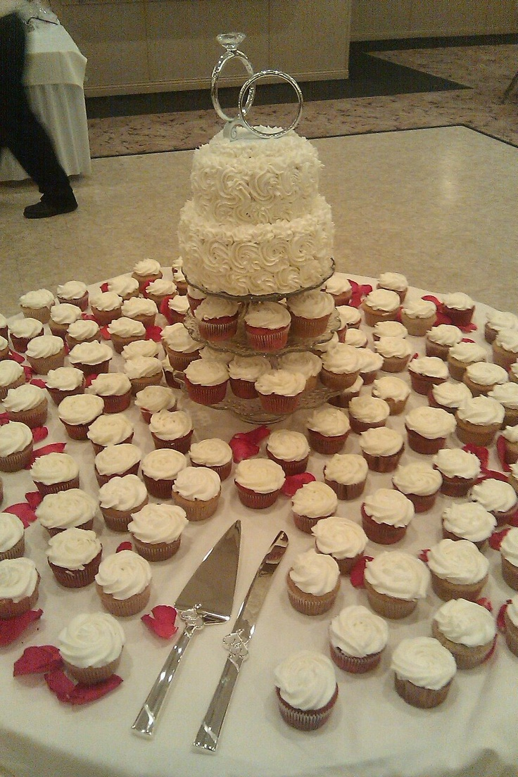 Rose wedding cake and cupcakes