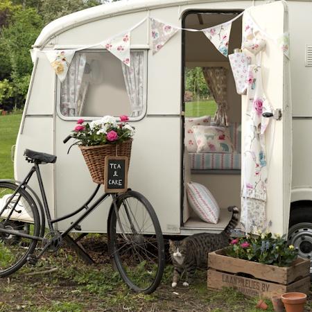 Vintage Caravan: Glamping at it's best!!!