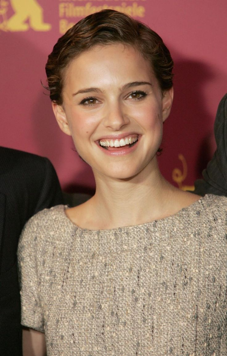 natalie-portman-short-hairstyles-hair-1176550623.jpg
