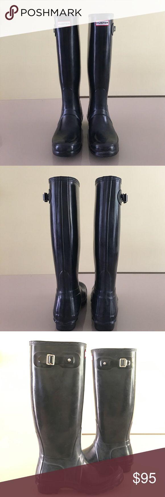 Women's Original Gloss Tall Hunter Rain Boots Hunter tall original gloss  black rain boots  In Excellent  condition!   No trades Thank you Hunter Boots Shoes Winter & Rain Boots