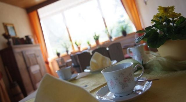 Haus am Park - #Guesthouses - $81 - #Hotels #Germany #Nieheim http://www.justigo.ws/hotels/germany/nieheim/haus-am-park-nieheim_217312.html