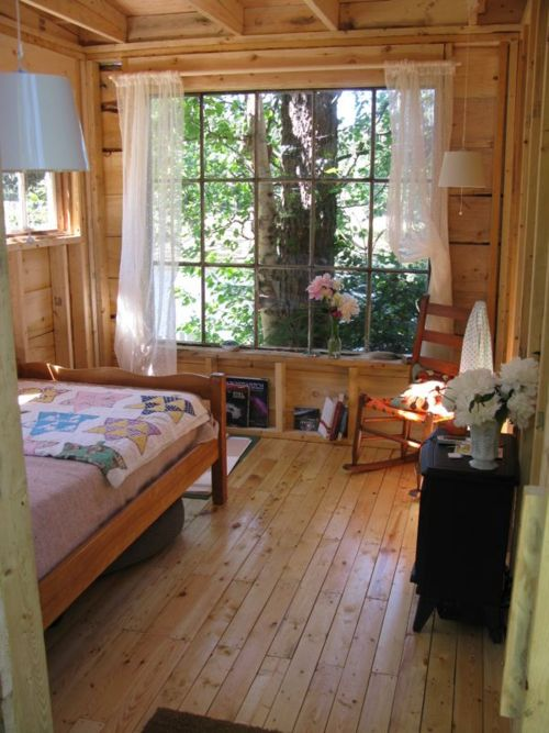 22 best home cabins images on pinterest tiny house for Rustic cottage bedroom