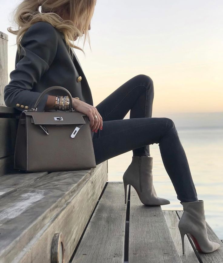 Sunset bliss - #Balmain blazer, #Hermès #KellySellier28 in #eutope with #AllSaints jeans and #ChristianLouboutin #SpecialOrder #PigalleFollies100mm boots. Update: see my feed for full look.