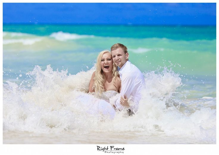Create your wedding photography dreams with Right Frame Photography. Oahu Hawaii. http://bit.ly/1N4ykA3 #lizmooreweddingshawaii