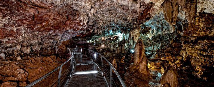 El Soplao, una cueva única en el mundo
