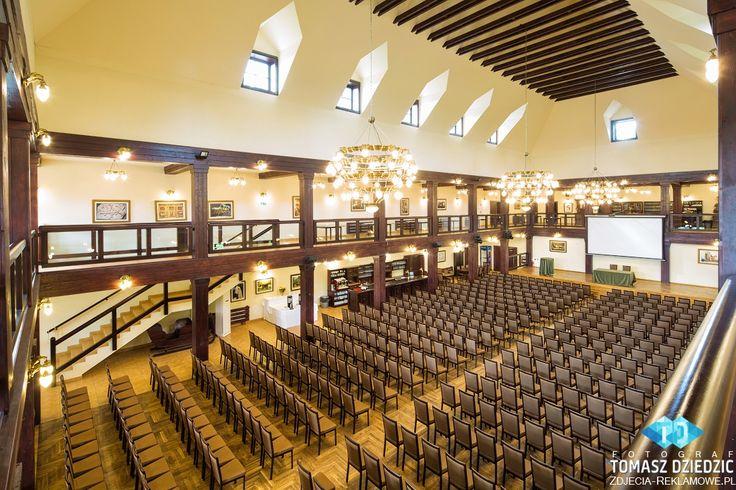 Sala konferencyjna Kraków - Folwark Zalesie.   #ZdjęciaReklamowe Zobacz więcej na http://zdjecia-reklamowe.pl/blog/sala-konferencyjna-krakow-folwark-zalesie/