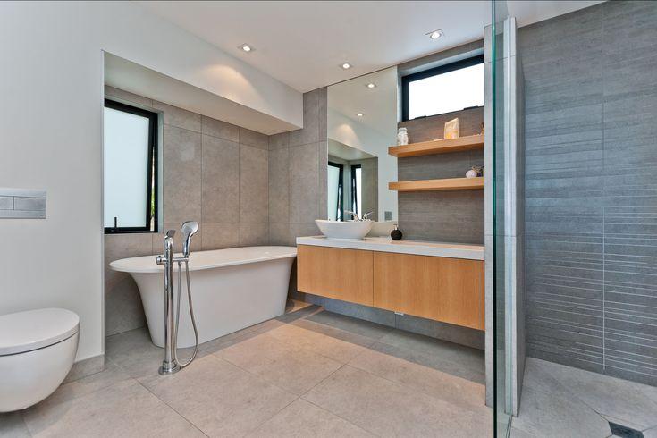 Bathroom    Rothesay Bay House    Creative Arch Ltd