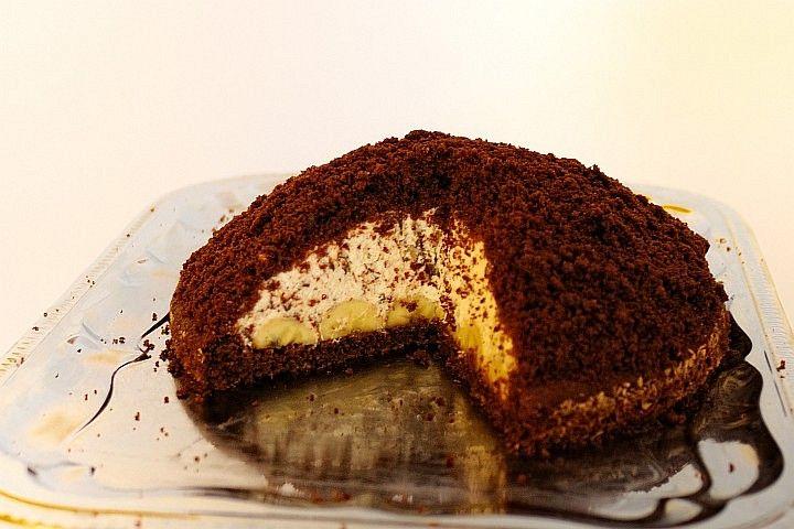 Krtkův dort: Olej, cukr a žloutky ušleháme, po chvilce přidáme rum a zamícháme. Přidáme mouku smíchanou s kakaem a pr.do pečiva, mléko a nakonec lehce...