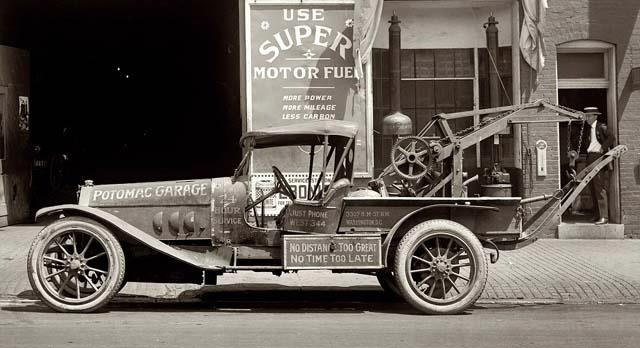 Early tow truck