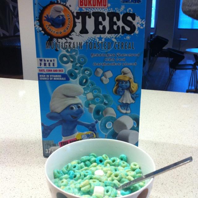 Breakfast #Smurfs