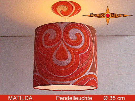 Pendelampe MATILDA, Ø 35 cm, mit Diffusor und Baldachin. Hier ist sie mit Beleuchtung zu sehen. MATILDA ist auch eine wunderschöne Hängleuchte aus einem Retrostoff aus den Ende der 60er und 70er Jahre -> Pantonstil.